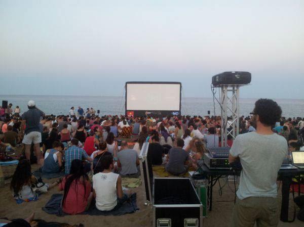 Cinema Lliure a la Platja Festivales | Actividades en familia 25/7/2013 Hasta 29/8/2013